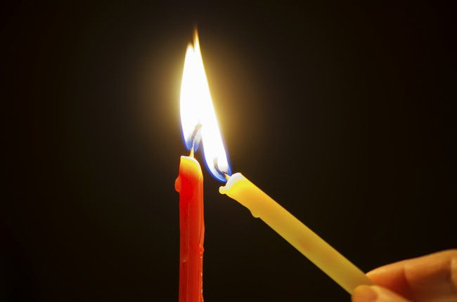 Candles caused 120 death every year