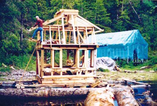 canadian-built-self-sustaining-island-082715-2