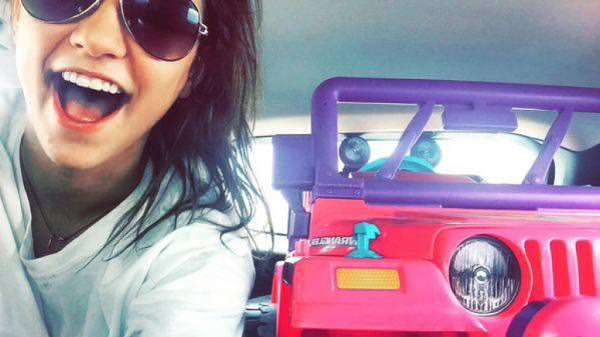 drunk-student-ride-barbie-jeep-to-campus-after-license-suspended-090715-8