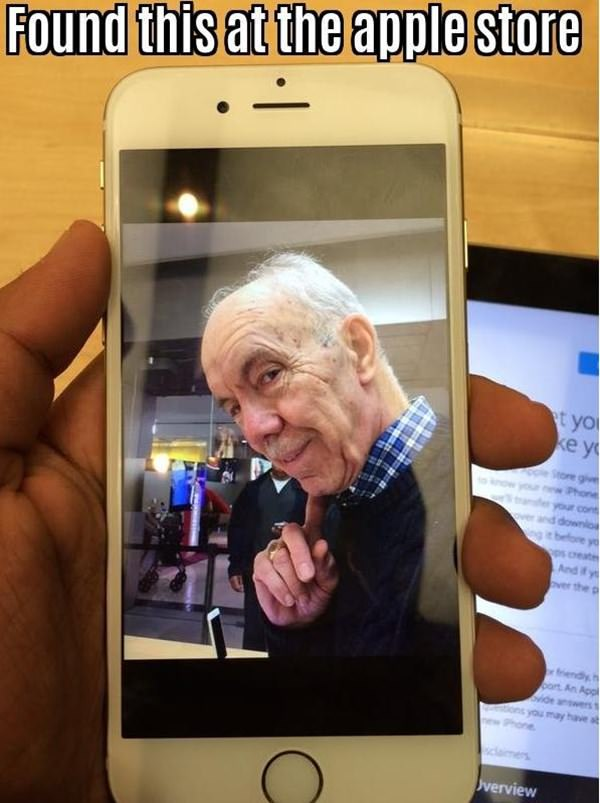 wtf-apple-store-moment-090915-13