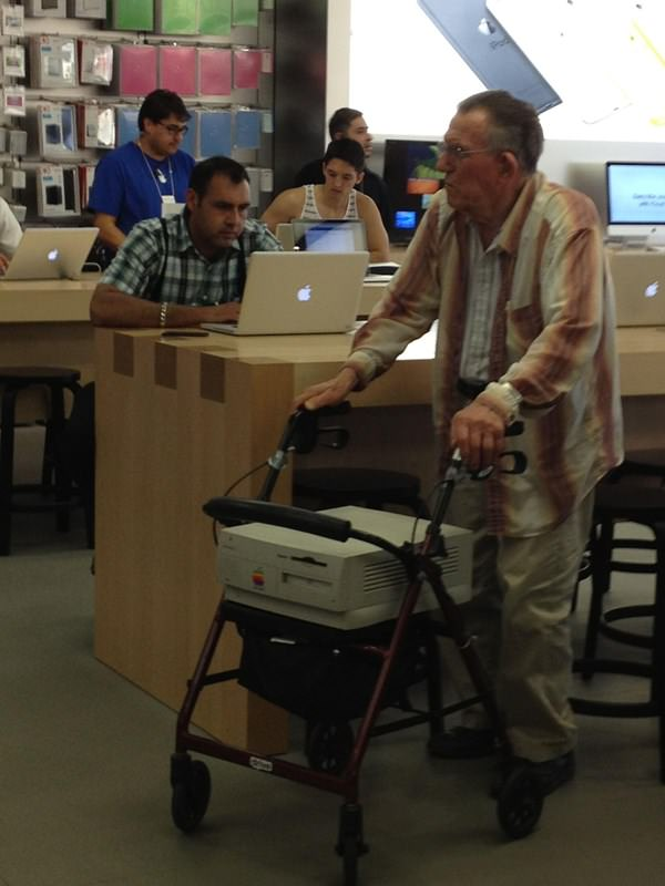 wtf-apple-store-moment-090915-5
