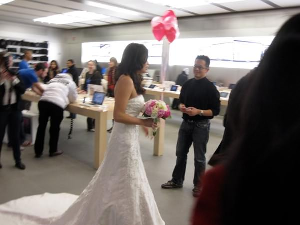 wtf-apple-store-moment-090915-7
