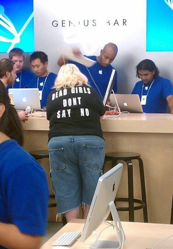 wtf-apple-store-moment-090915-9
