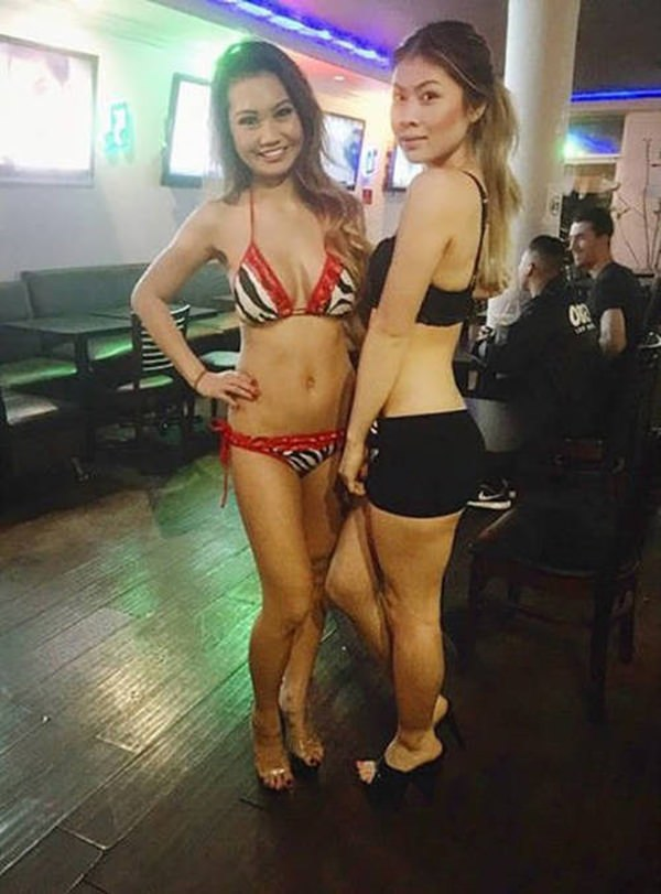 cafe-miss-cutie-lingeries-waitress-011016-11