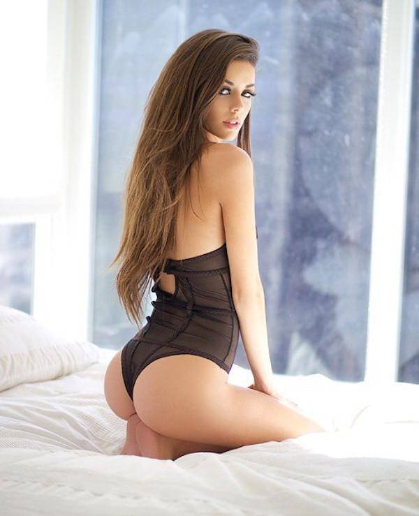 girl-on-bed-092015-9