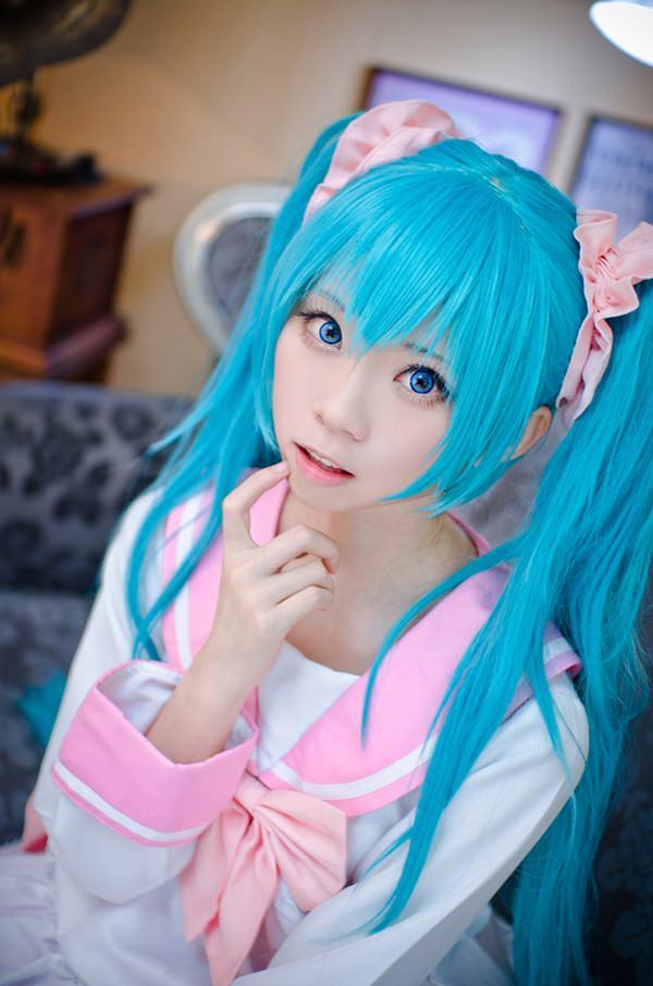 hatsune-miku-cosplay-012316-3