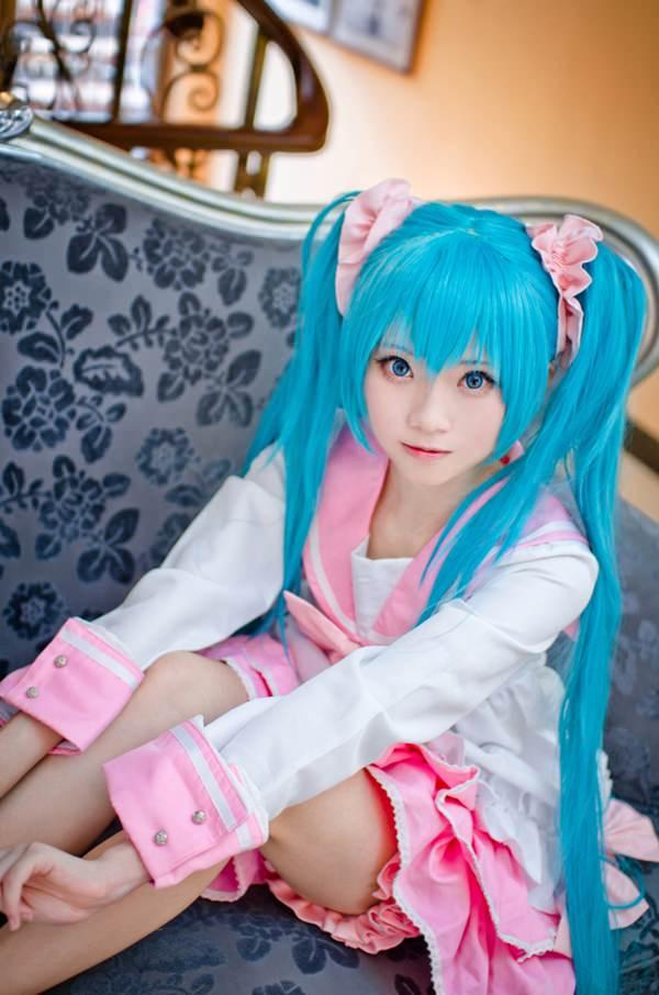 hatsune-miku-cosplay-012316-5