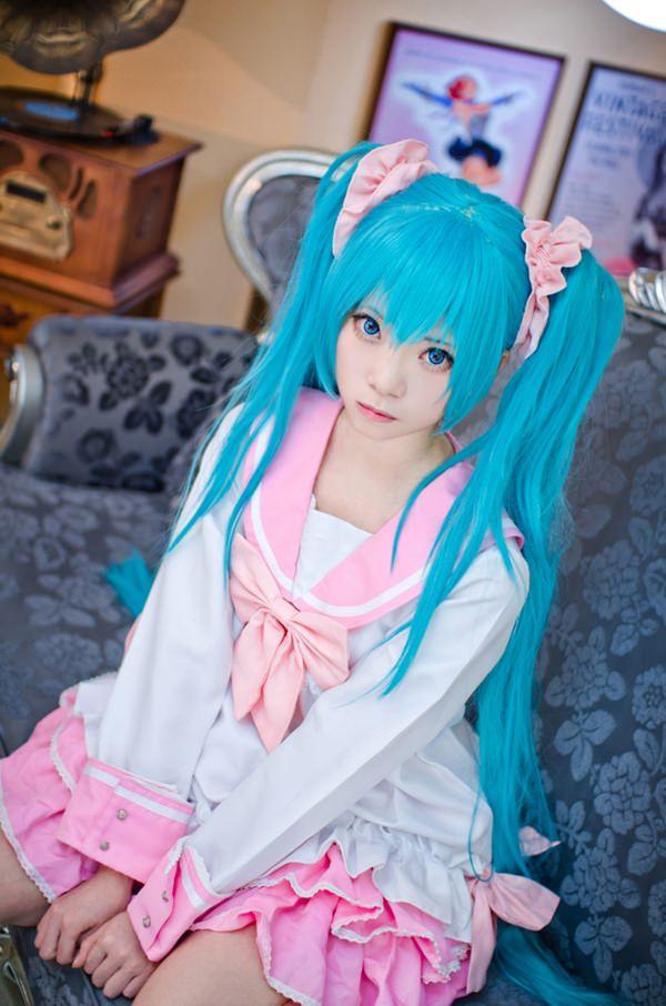 hatsune-miku-cosplay-012316-6