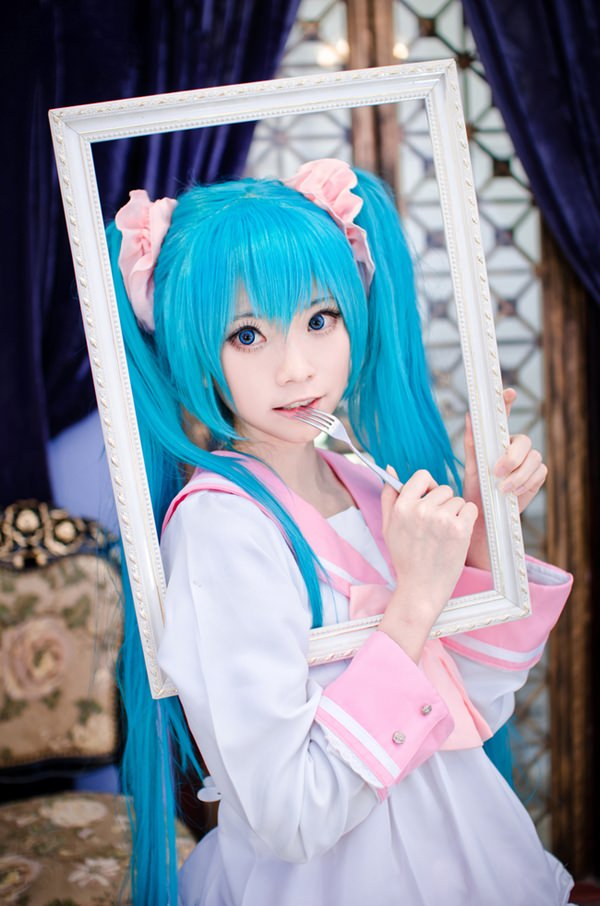 hatsune-miku-cosplay-012316-8