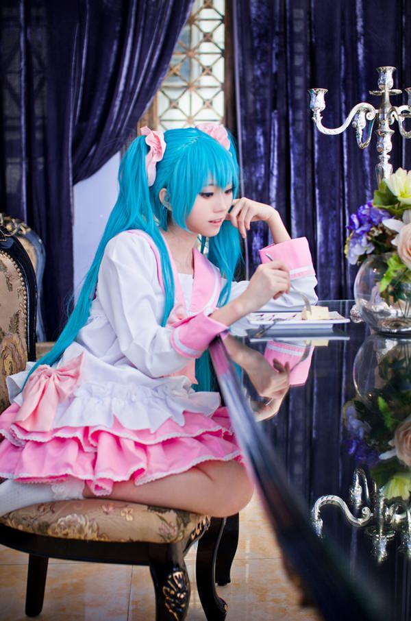 hatsune-miku-cosplay-012316-9
