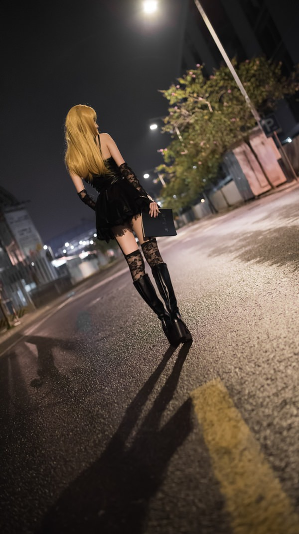 sexy misa amane cosplay from death note