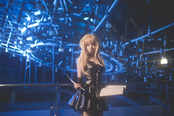 misa-amane-death-note-cosplay-012316-9