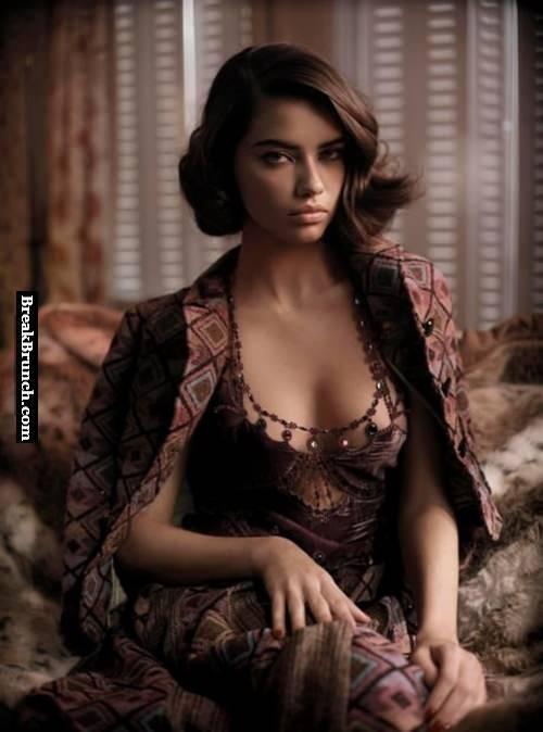 Sexy Adriana Lima