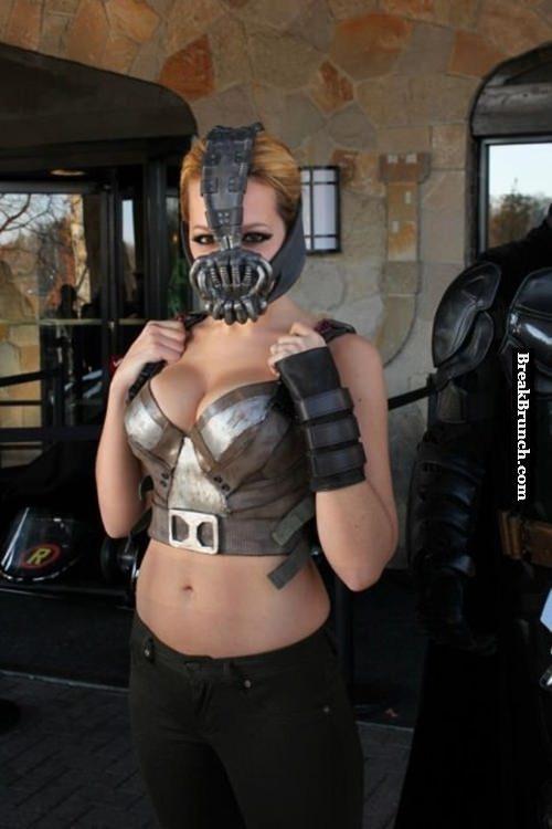 Female Bane cosplay