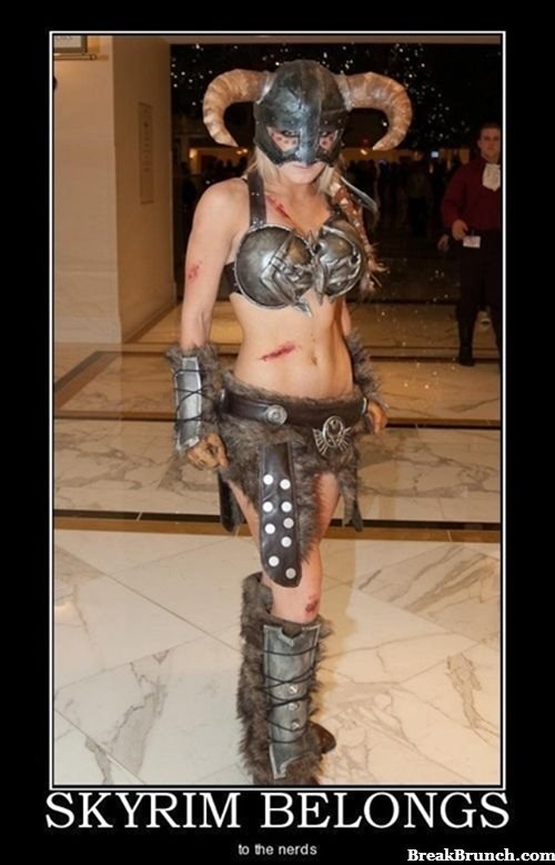 Awesome Skyrim female warrior cosplay