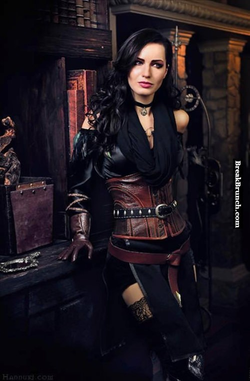 Yennefer of Vengerberg cosplay from Witcher