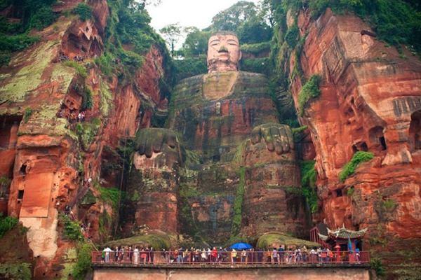 Giant-Buddha-Leshan-China