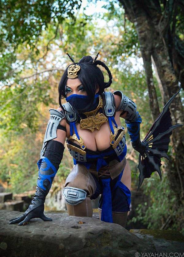 top-femaile-cosplayers-20150901-10
