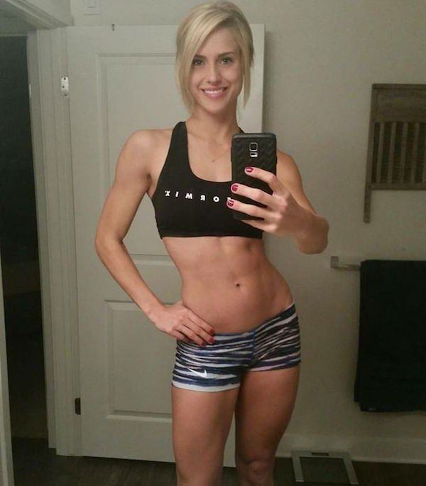 sexy-girl-in-short-20151008-12