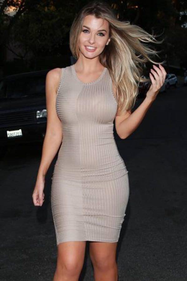 hot-girl-in-tight-dress-20151224-20
