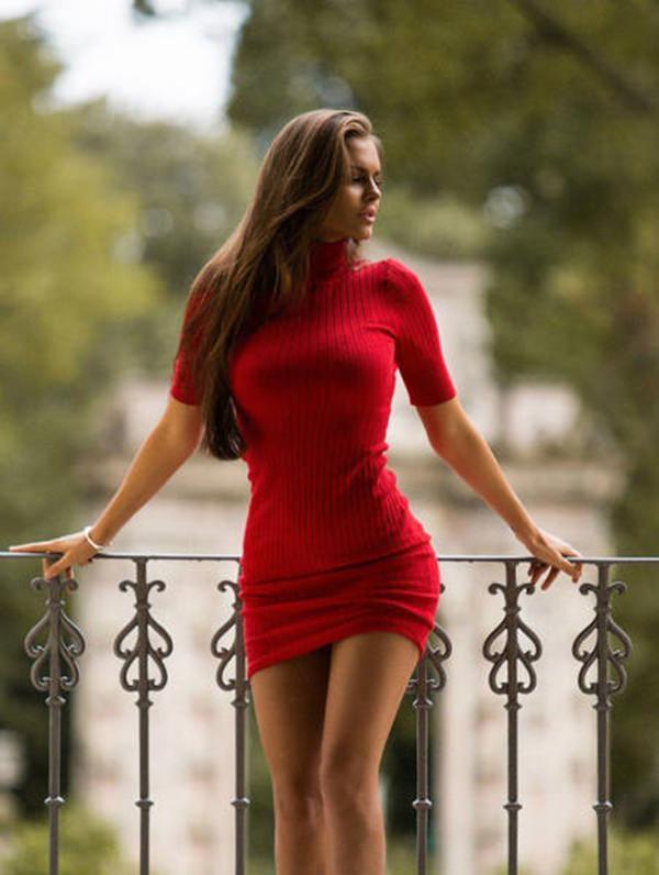 hot-girl-in-tight-dress-20151224-7
