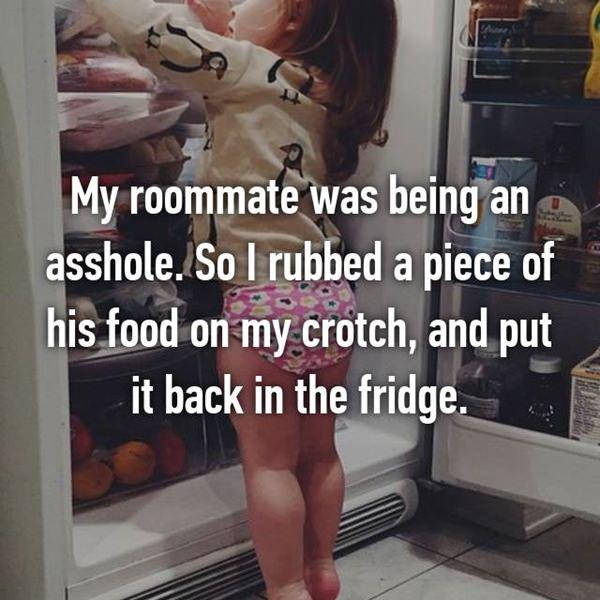 roommate-prank-20151225-34