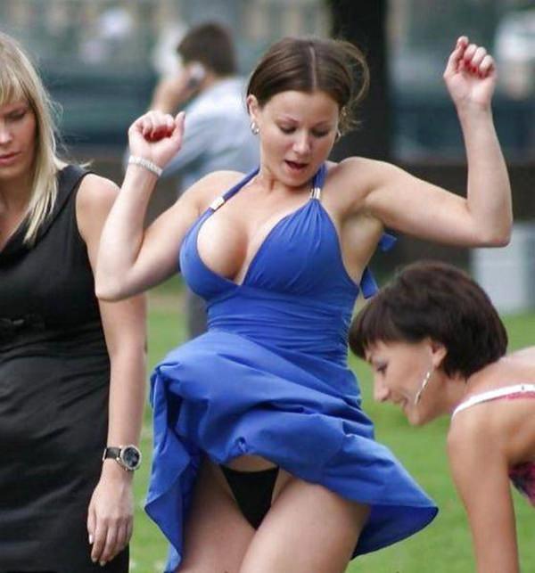 sexy-girl-vs-wind-20151223-20