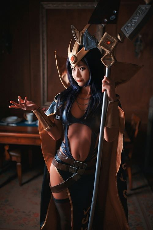 Awesome League of Legends LeBlanc cosplay by Elda (6 photos)
