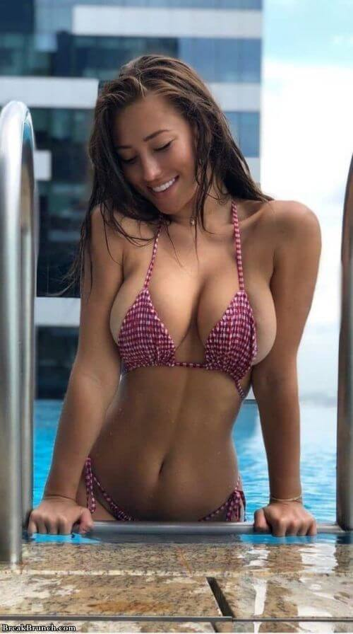 Wink If You Like Girls With Big Boobs 16 Photos