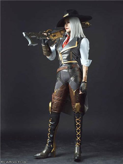 Awesome Ashe cosplay from Overwatch by 猫小朵(catxiaoduo) (9 photos)