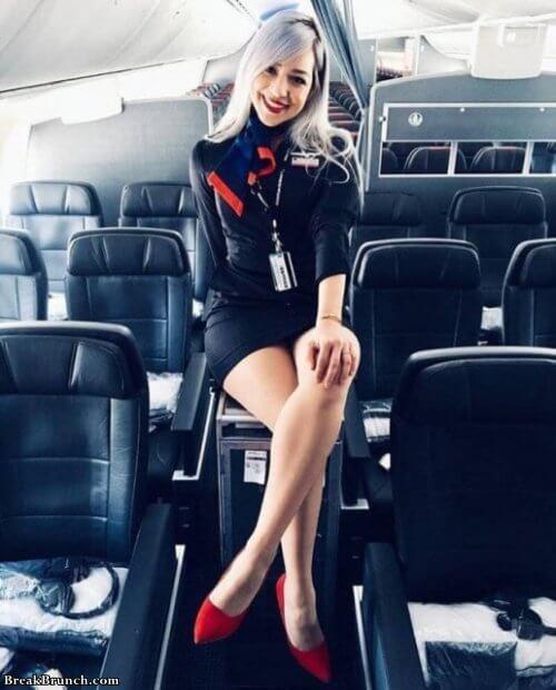 15 Cute Flight Attendants - Breakbrunch-9807