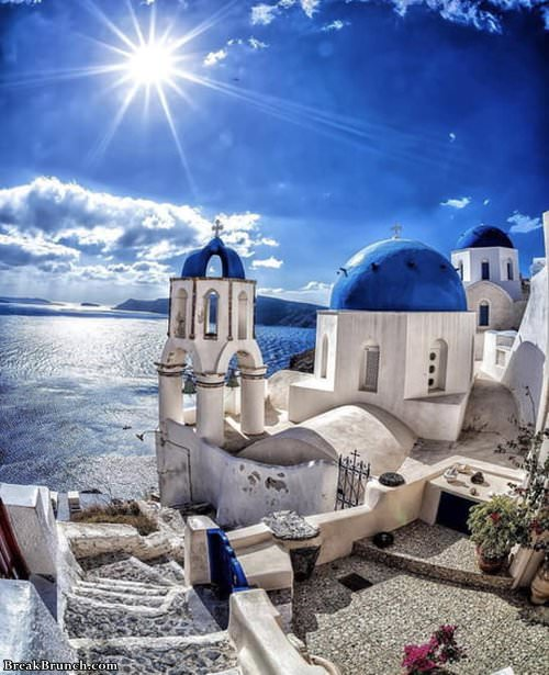blue-rooftop-greece-1127190855