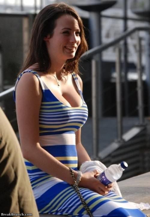 Girl In Tight Dresses 25 Pics - Breakbrunch-3254