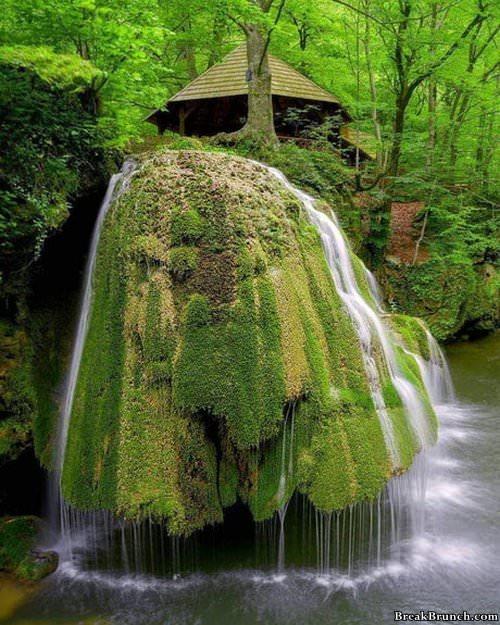 pretty-waterfall-in-romania-020119