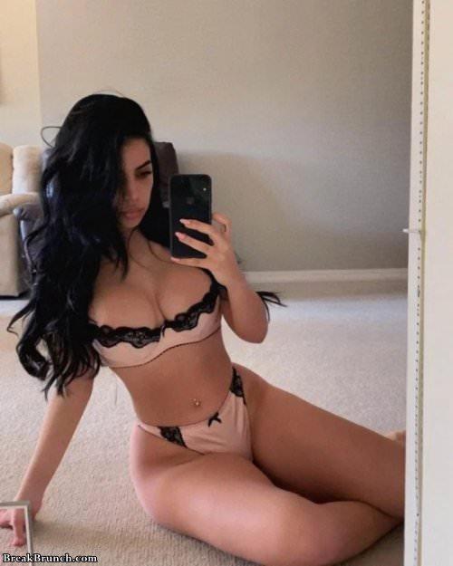brunette dessous selfie