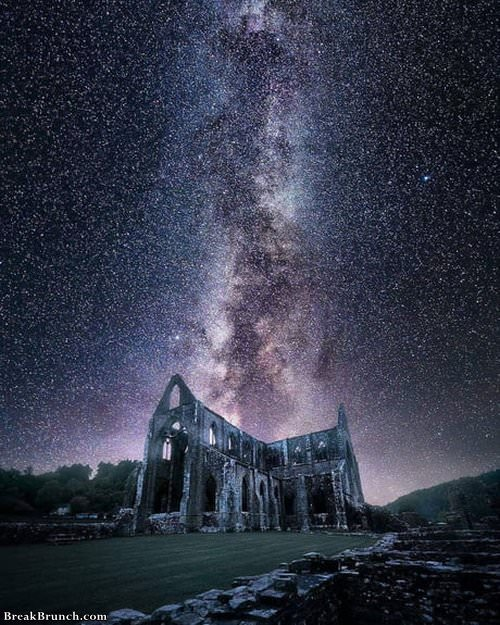 tintern-abbey-at-night-021719