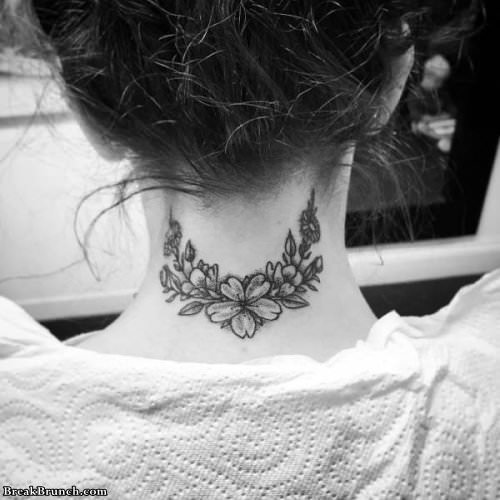 19 awesome neck tattoos