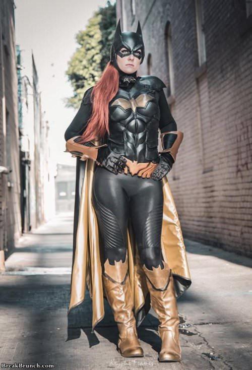 sexy-batgirl-041019
