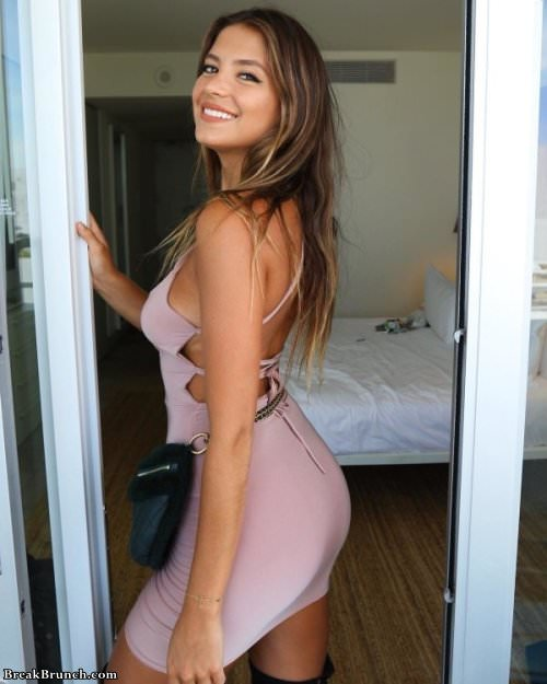 Sexy ladies in tight dresses (23 pics)