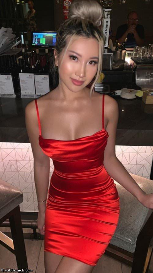 Sexy ladies in tight dresses (23 pics) - BreakBrunch