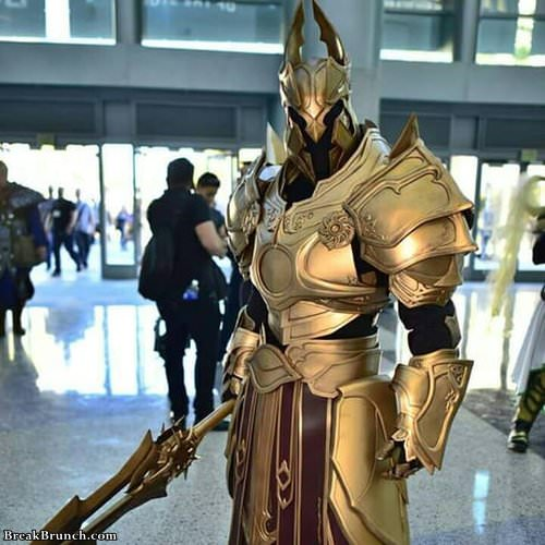 Amazing Imperius cosplay from Diablo