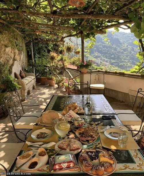cozy-place-in-amalfi-italy-081219