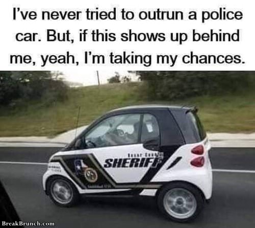 When to outrun police