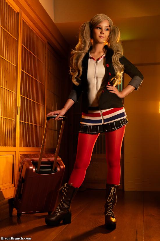 Ann Takamaki Persona 5 cosplay by Disharmonica (6 pics)