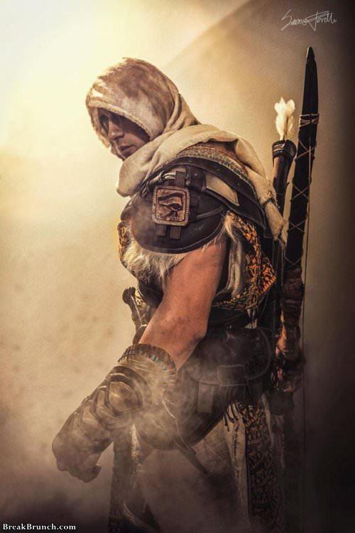 Amazing Assassin's Creed Origins cosplay by Leon Chiro (5 pics)
