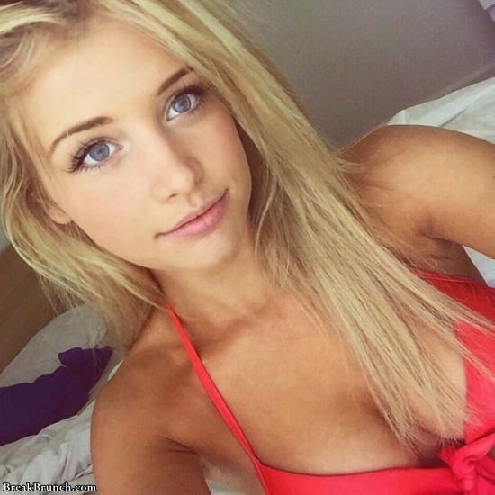 Girls with beautiful eyes (22 pics)