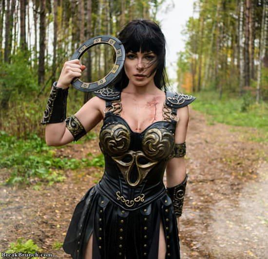 zena-warrior-pricess-cosplay-111619