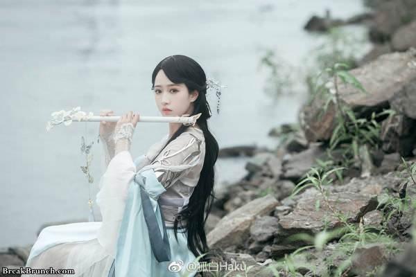 Beautiful ancient Chinese girl cosplay by haku_QvQ (7 pics)