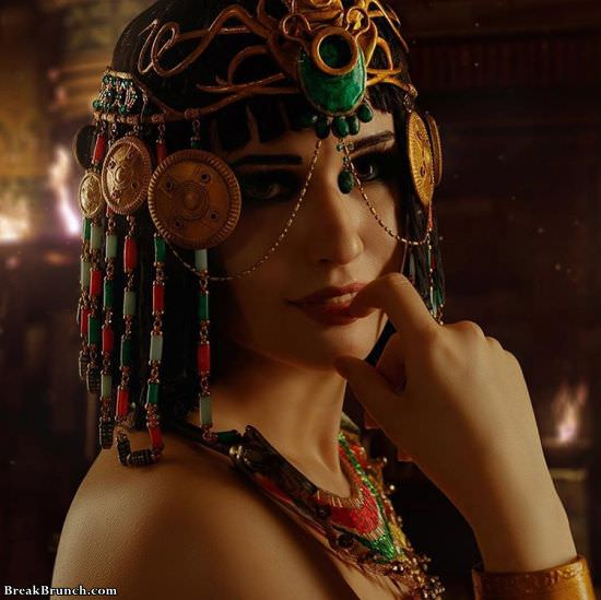 Beautiful Egyptian queen Cleopatra cosplay by Christin McCoy (8 pics)