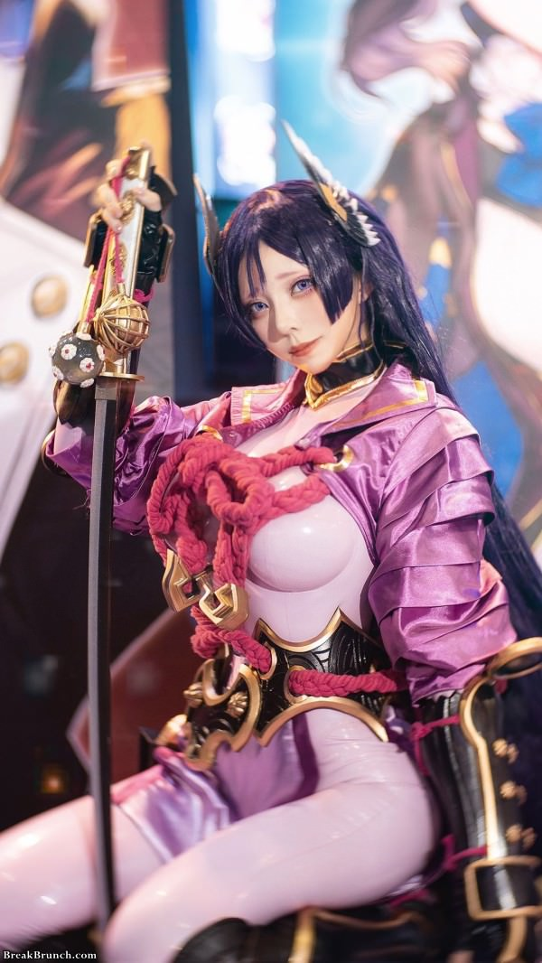 Amazing Fate/Grand Order cosplay by Takomayuyi (8 pics)